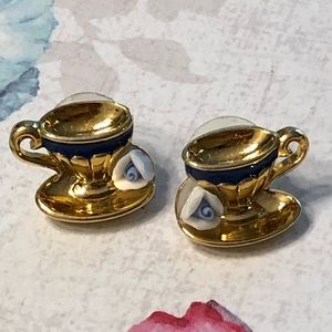 Avon Teacup Pierced Earrings 1995